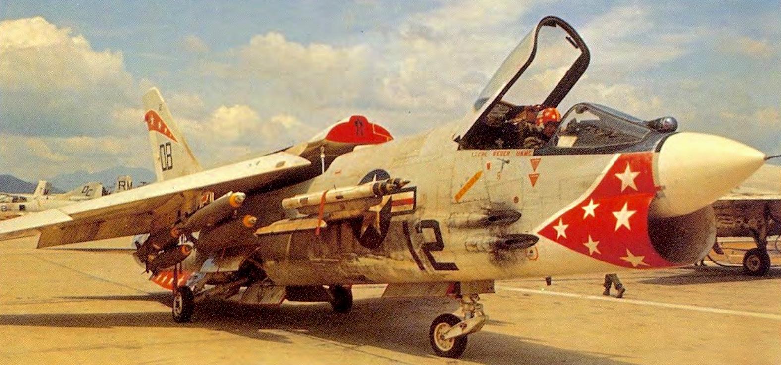 # 49278 Eduard 1//48 F-8E Crusader pré-peint en couleur
