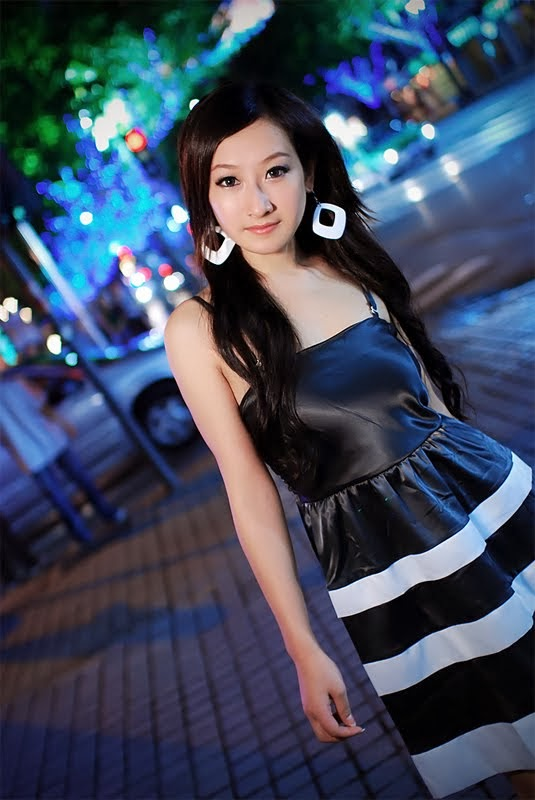 Singapore Model Blogger Tee Ying Zi Leaked Nude Photos