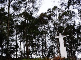 Assim como na cidade do Rio de Janeiro, a Vila Eliana no bairro Jaraguá tem um Cristo de braços abertos