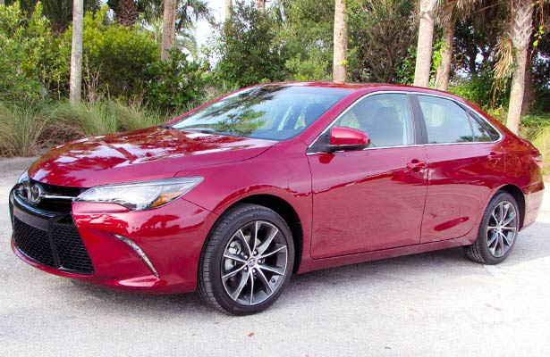 2017 toyota camry xse v6 sedan review toyota camry review. Black Bedroom Furniture Sets. Home Design Ideas