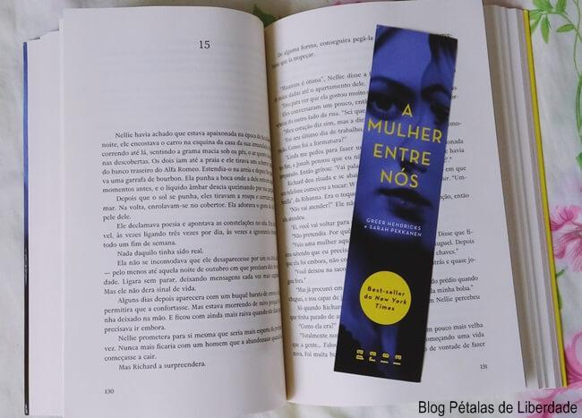 Resenha, livro, A-mulher-entre-nos, Greer-Hendricks, Sarah-Pekkanen, Paralela, capa, blog-literario, petalas-de-liberdade
