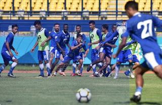 Persib Bandung Bawa 18 Pemain ke Markas PSIS Semarang