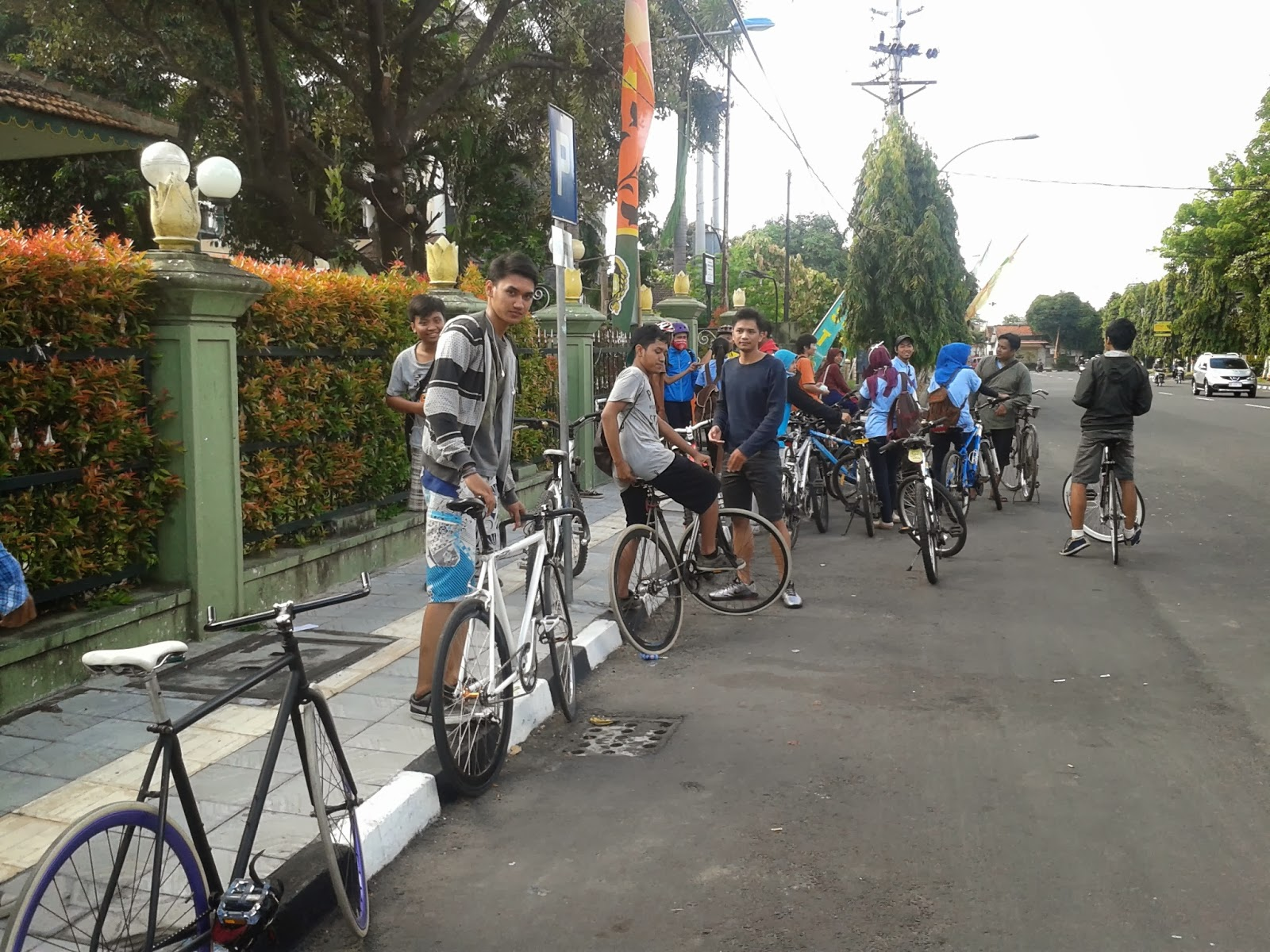Teman-teman Bike to UGM, Bike to UNY dan Bike to UAJY