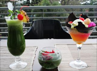 Green Juice dan Tropical Fruit Roger's Cafe Dago