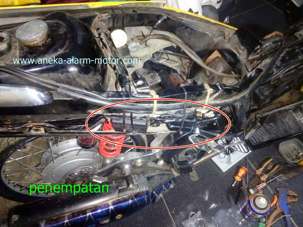 Aneka Alarm Motor  Cara Pasang Alarm Motor Remote Pada Yamaha Nouvo Lokal