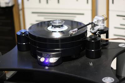Sản phẩm cơ đĩa than Acoustic Signature Challenger MK3
