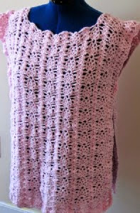 http://donnascrochetdesigns.com/morefree/strawberry%20lace%20box%20poncho.pdf