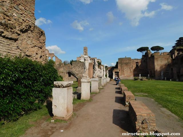 Римский Форум - Дом весталок