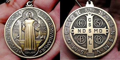 http://4.bp.blogspot.com/-Oo8on-xA6n4/VKrd8YO2XPI/AAAAAAAAAlI/6wkiL9o148I/s1600/st-benedict-medal.jpg