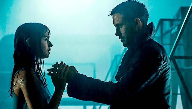K with his holographic girlfriend in Blade Runner 2049, Directed by Denis Villeneuve