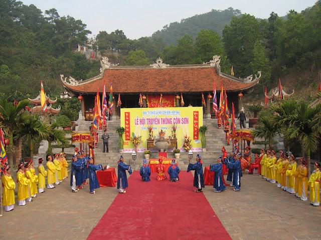 Con Son-Kiep Bac Spring Festival opens in Hai Duong 1