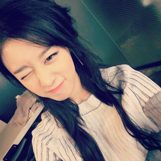 T-ara JiYeon charms fans with her cute SelCas | T-ara World