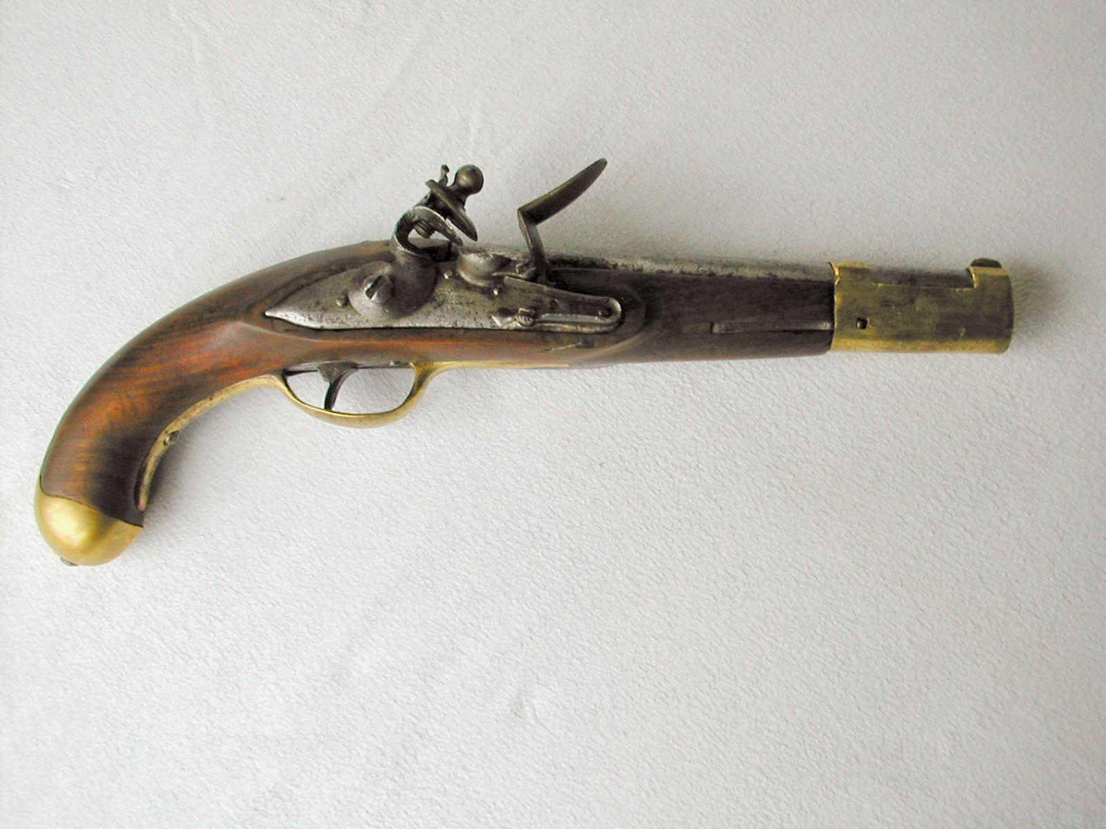 Antique weapons nederlandse vuursteen pistolen ca 1800 for De pagter antiek interieur b v