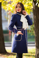 Palton bleumarin elegant din lana cu esarfa brodata