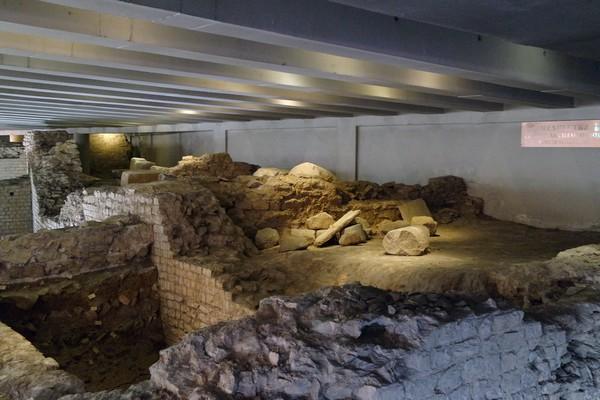 cahors vestiges romains amphithéâtre