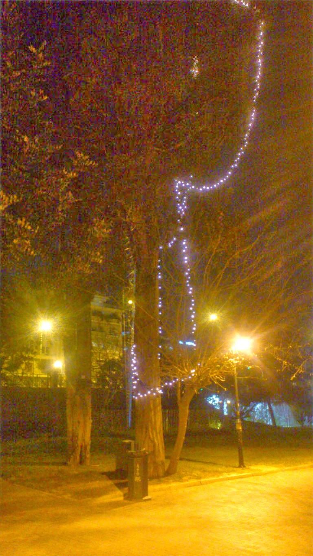 Η Αθήνα γιορτάζει τα Χριστούγεννα... και τον Μάρτιο