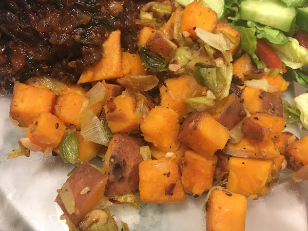 Sundays are for dinner on the fly! (Sweet potato and leek hash)