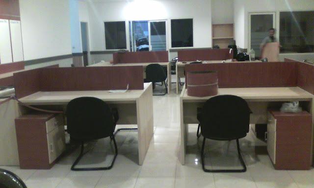 meja resepsionis kantor surabaya