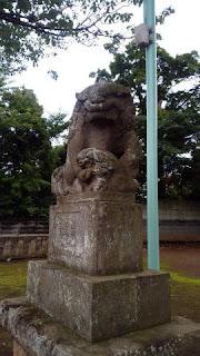 連光寺の鎮守様 春日神社 狛犬