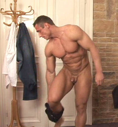 nude muscled guy with small dick