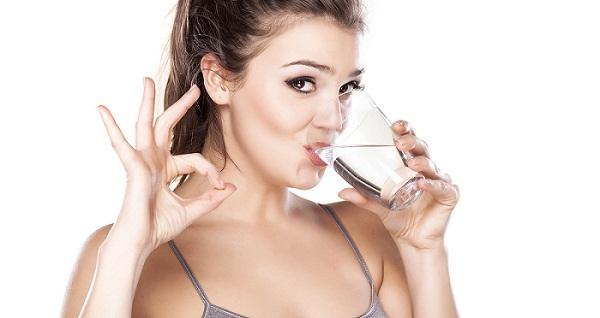 uống nước sau khi thức dậy