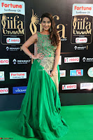 Manjusha in Beautiful Sleeveless Green Anarkali dress at IIFA Utsavam Awards 07.JPG