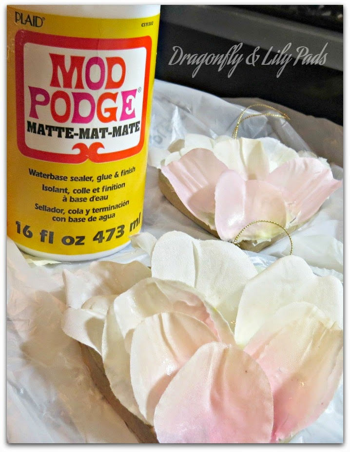 Mod Podge, Plaid, Silk Rose Petals, Ombre' Pink, Ivory, Heart, Valentine Decor