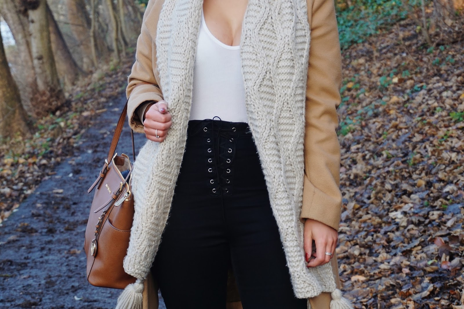 Winter outfit, lace jeans