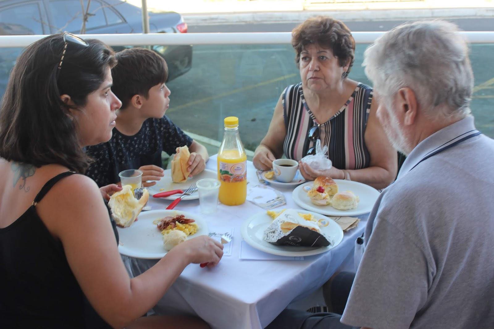 IMG 3646 - Dia 12 de maio dia das Mães no Jardins Mangueiral foi com muta diverção e alegria com um lindo café da manha