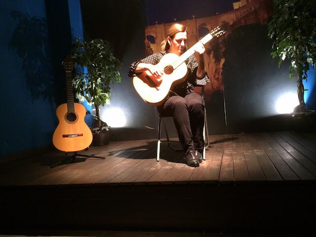 Apresentação do violão flamenco de Celia Morales, em Ronda, na Andaluzia, região sul da Espanha.