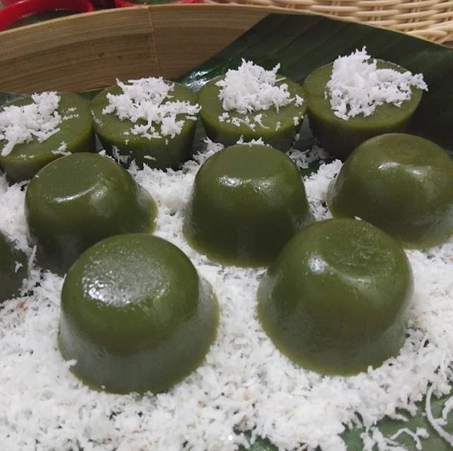Kue Lumpang Pandan Kue Tradisional Khas Palembang
