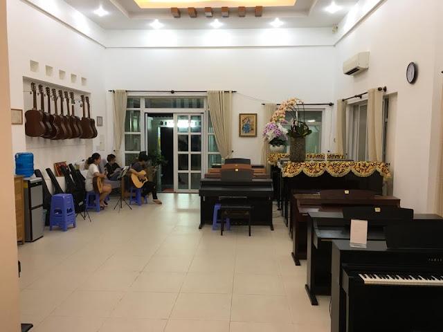 Cơ sờ 2 trường nhạc SMS