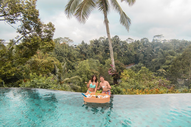 Top 10 travel tips - Ubud floating breakfast