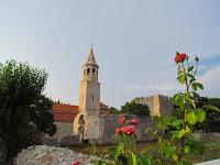 Župna crkva sv. Ivan Krstitelj, Povlja, otok Brač slike