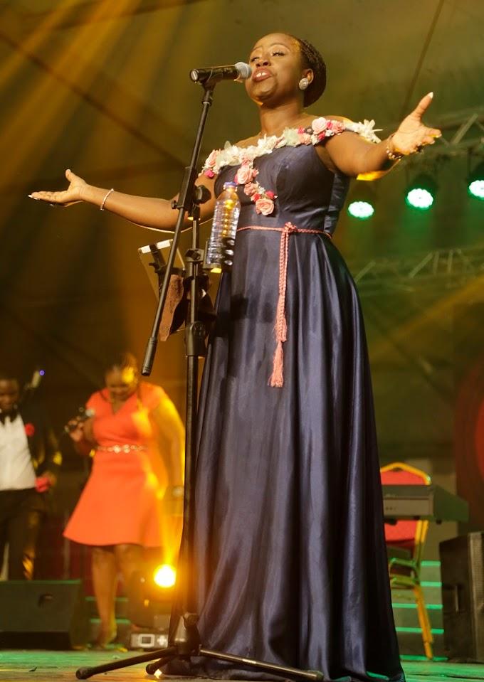 Photos:  Diana Hamilton thrills at Harvest Praise 2019