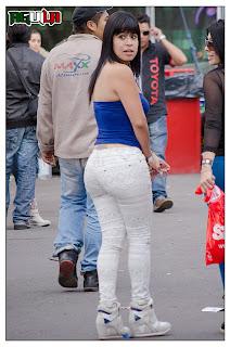 chicas-sexys-pantalones-apretados