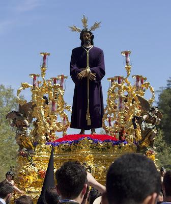 Nuestro Padre Jesús Cautivo de la Hermandad de Santa Genoveva de Sevilla que procesiona el Lunes Santo