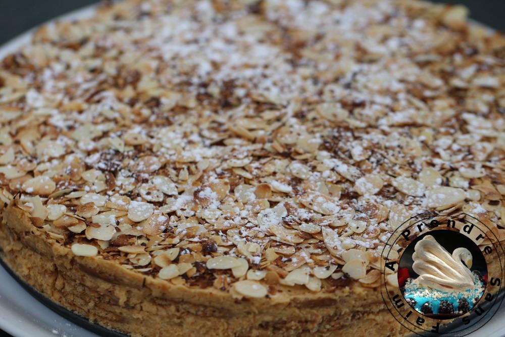 Gâteau de biscuits au caramel «Bolo de bolacha com baba de caramelo»