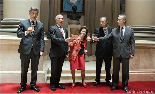 """Corte Suprema Argentina, limita los fallos de tribunales internacionales. (CIDH) No mas una """"cuarta instancia"""" revisora para el país"""