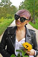 http://www.karyn.pl/2017/09/sonecznik-ruda-spodnica-z-guziczkami-i.html