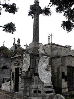 Jazigo de Father Fahy, no Cemitério da Recoleta, Buenos Aires