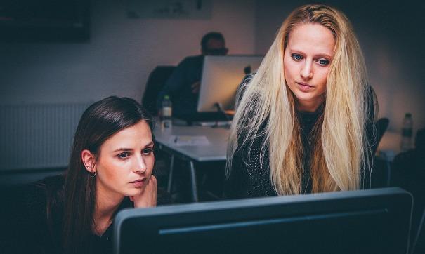 Programmer Wanita Cantik dan Terkenal di Seluruh Dunia