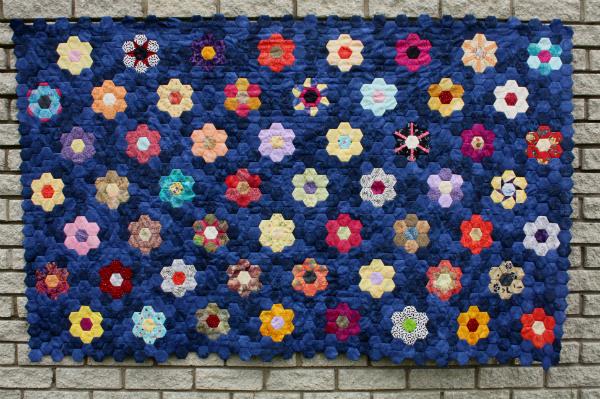 EPP Hexie flowers quilt | DevotedQuilter.blogspot.com