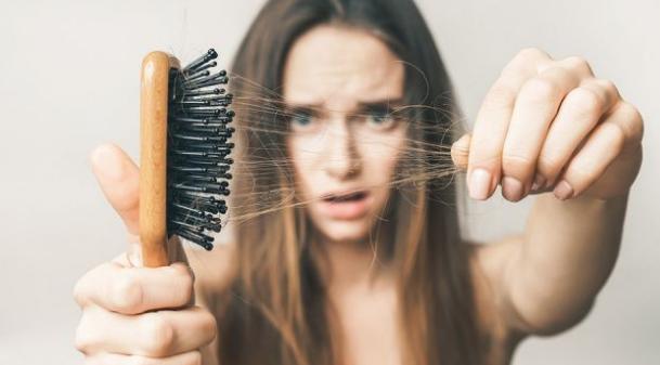 6 Herbal yang Membantu Melawan Kerontokan Rambut