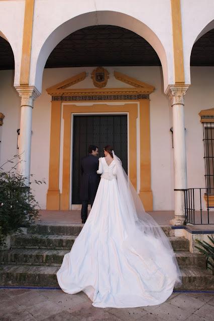 Lorena y Carlos, una romántica boda en Sevilla
