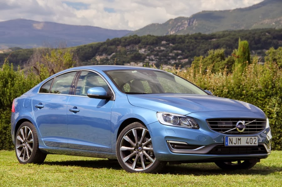 Volvo S60 T6 >> City Safety Fitur Utama Sedan Volvo S60 T6 2015 Otomaxi