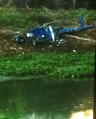 Helicóptero da PM é abatido por traficantes próximo à favela Cidade de Deus e mata quatro militares
