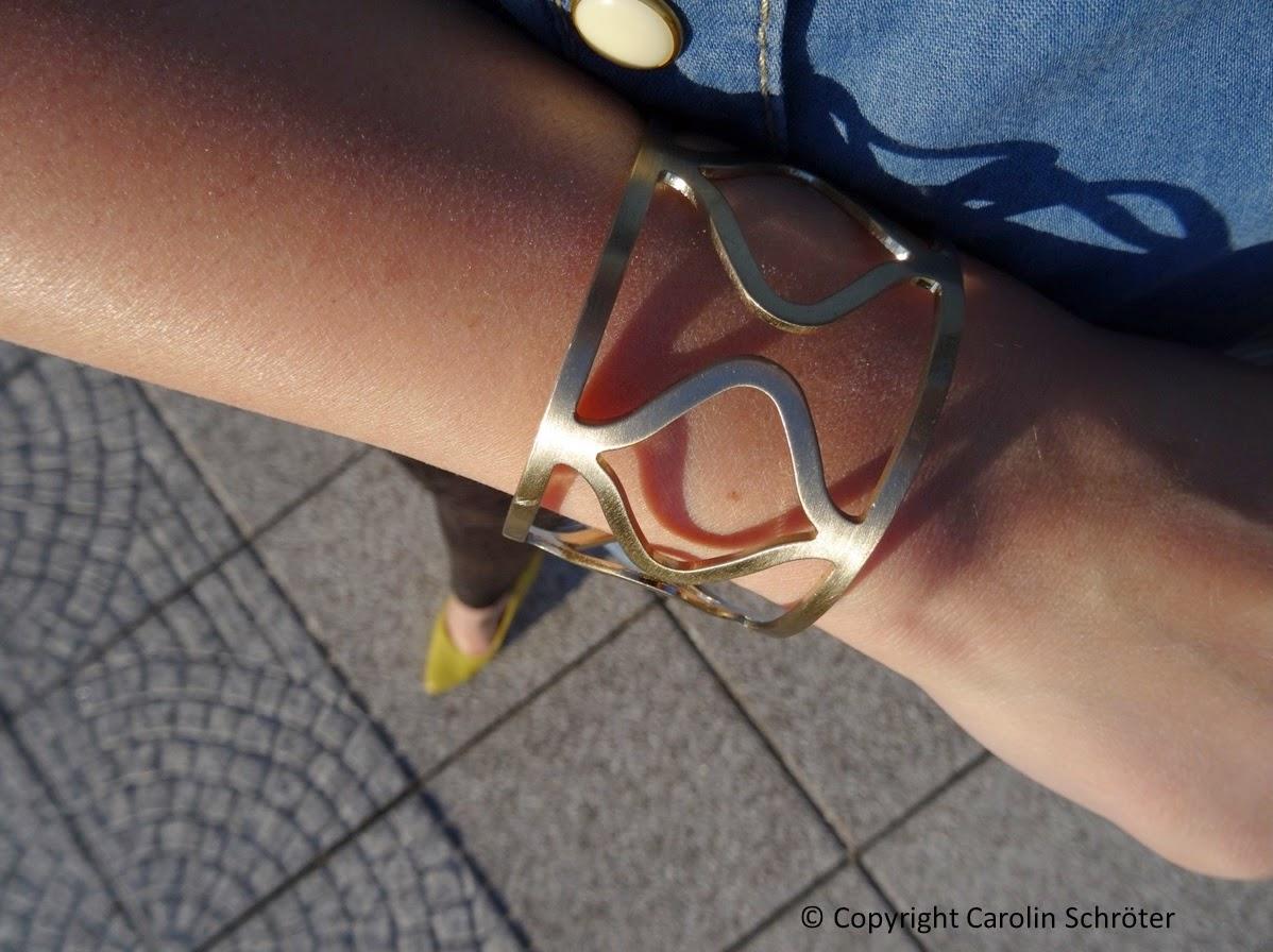 Promod golden bangle
