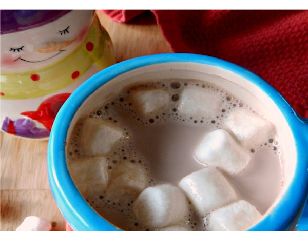 Simple Low (or No) Sugar Homemade Hot Chocolate (Hot Cocoa)