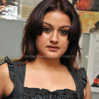 Sonia agarwal look hot
